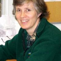 Photo of Dana Savidge